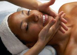 facial-massages-the-beauty-bar-raleigh-nc-27616